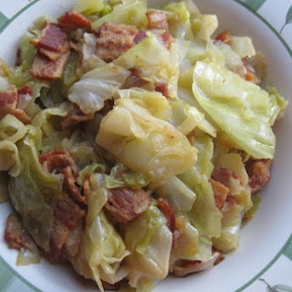 This 5-Ingredient Southern Bacon Fried Cabbage Recipe Is Absolutely Incredible!