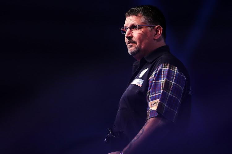 WK Darts: Gary Anderson en Stephen Bunting plaatsen zich voor halve finales