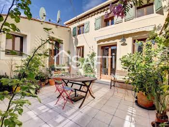 Maison 10 pièces 365 m2