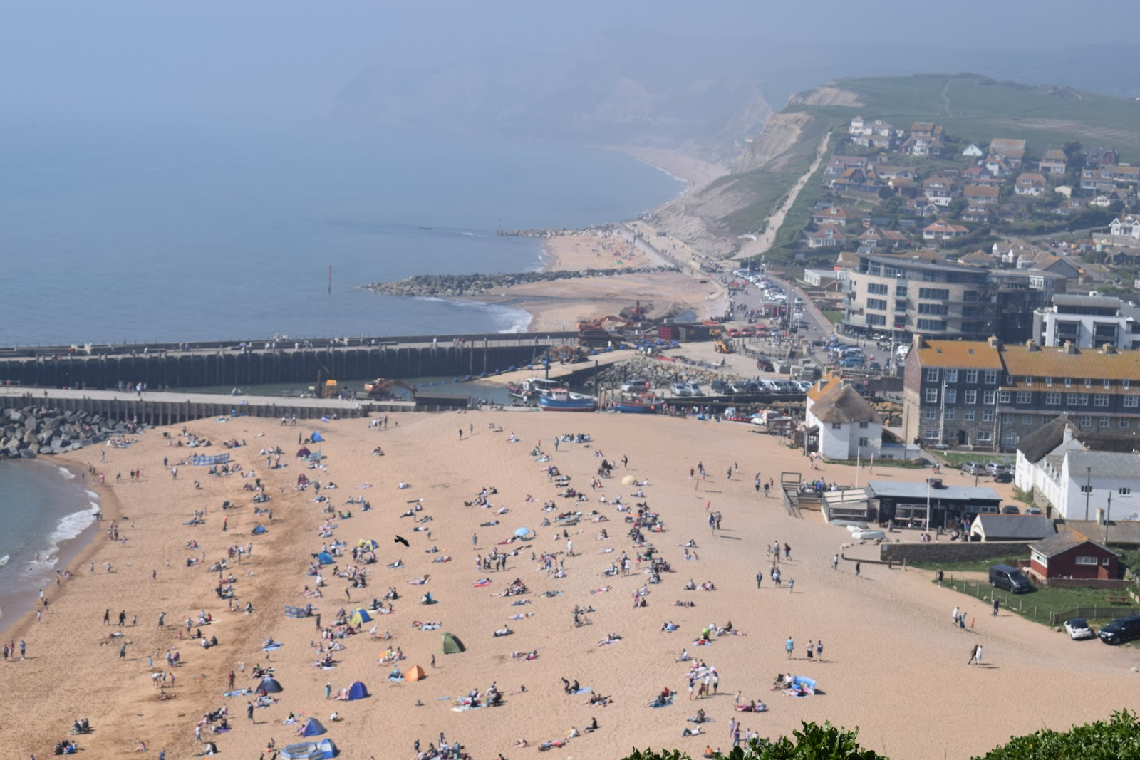 "(<img alt=""west bay in Dorset view"">)"