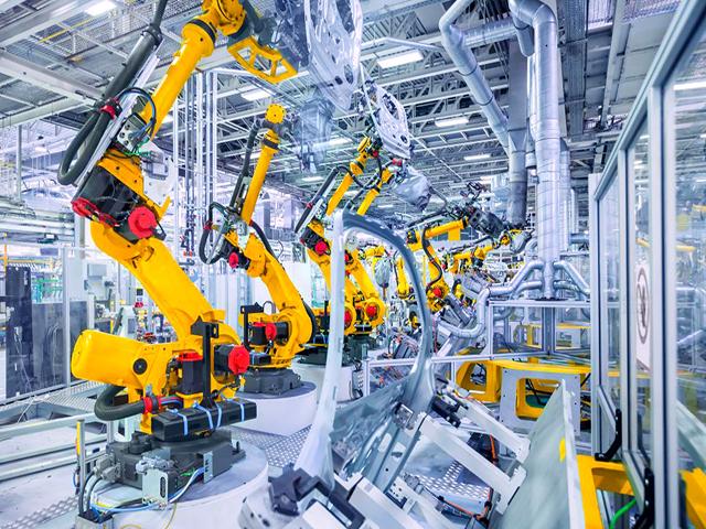 Máy móc công nghiệp giúp duy trì hoạt động dây chuyền
