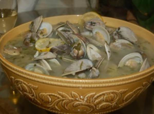 Lad's Steamed Clams Recipe