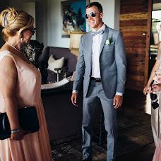 Wedding photographer Vasiliy Tikhomirov (BoraBora). Photo of 23.11.2014