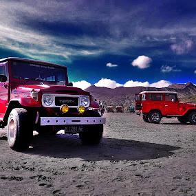 bromo jeep by Arifandi Krembong - Landscapes Travel ( car, hill, sky, jeep, bromo )
