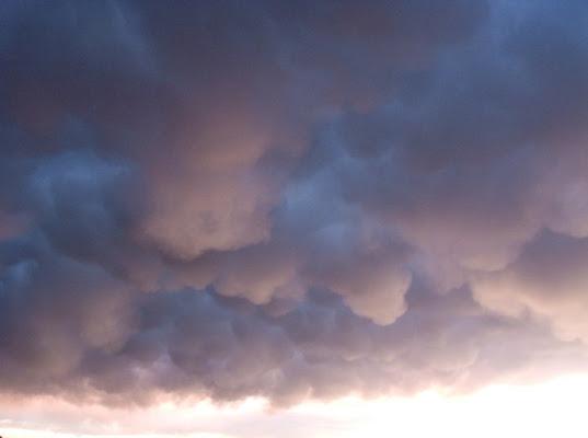nuvole a milano di nebbia