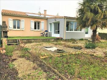 maison à Saint-Vaize (17)