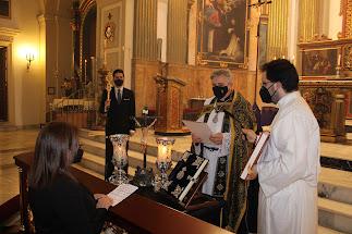 Fini Salvador jurando como hermana mayor de la Hermandad del Santo Sepulcro.