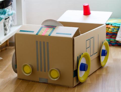 taller coches cartón niños
