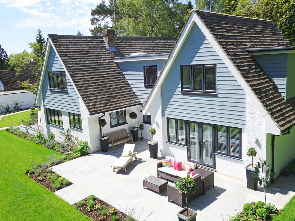 Simple Ideas to Modernise Your Garden  | Home