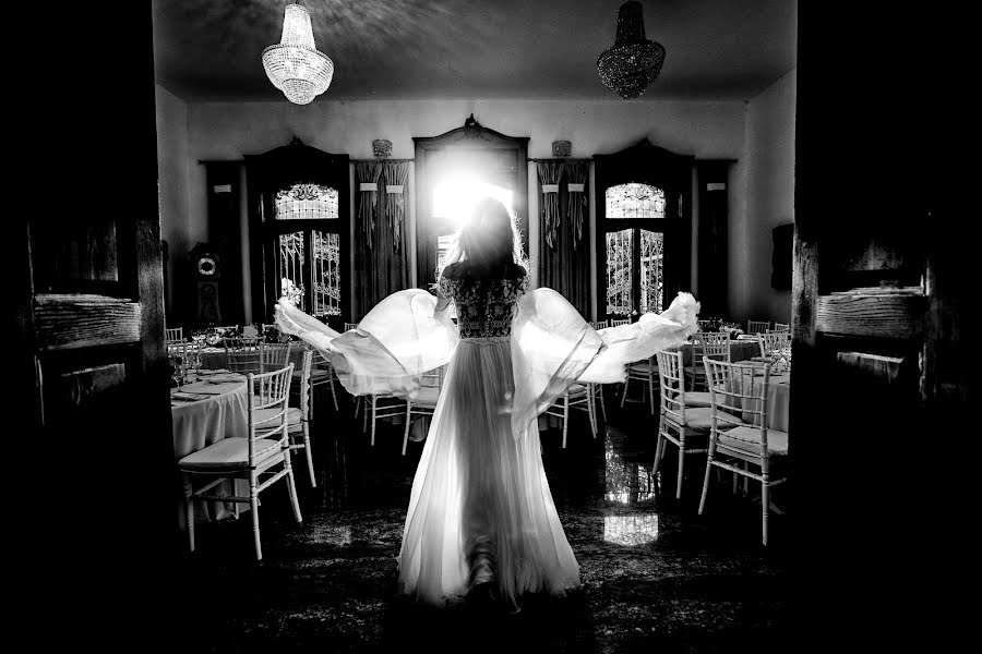 Wedding photographer Sabina Mladin (sabina). Photo of 01.09.2019