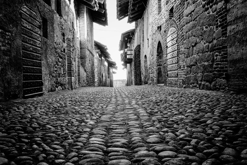 Strada medievale di Atum-Pietro