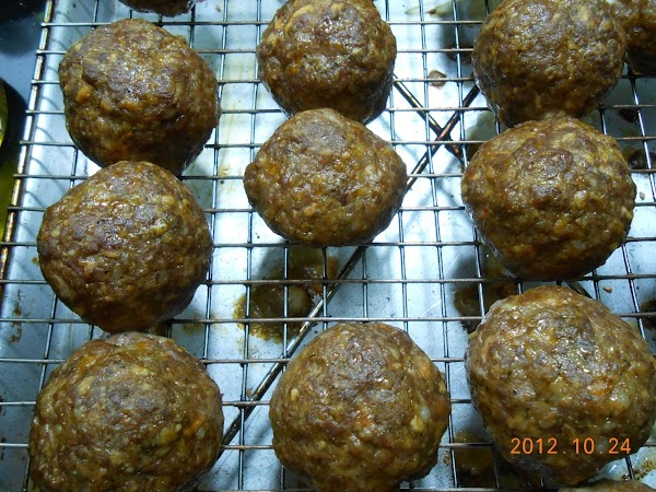 Bake at 325° for 40 min.  Once sauce is ready, place meatballs in...
