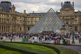 Photo: Another swing by the Louvre on our Big Bus tour