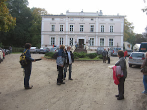 Photo: Aż przyszedł czas, że musieliśmy pożegnać gościnne progi pałacu w Białokoszy i dać się odwieźć panu Arturowi do domu.