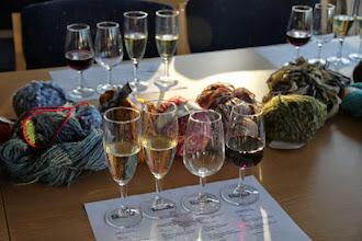 Photo: Lördag eftermiddag...solnedgång...Sip 'n Knit: garn och vinprovning i ett.