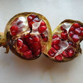 POMEGRANATE by Aida Neves - Food & Drink Fruits & Vegetables
