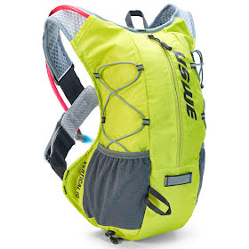 Vertical™ 10 PLUS / with 2.0L Hydration Bladder