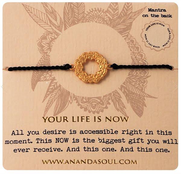YOUR LIFE IS NOW armband guldpläterad mässing