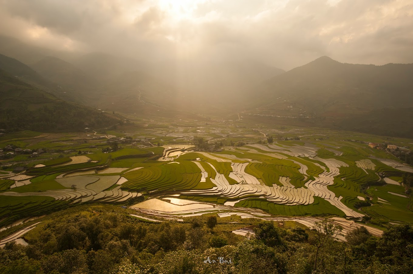 Sunset photography of rice terrace in Tu Le