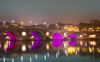 Photo: #WetWednesday curated by +Susanne Schweiger  #PlusPhotoExtract curated by +Jarek Klimek   Pont Neuf, Toulouse, France