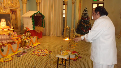 Photo: We closed with Aarti to Bhagawan