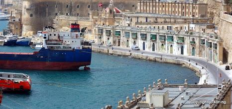 Photo: Valletta. View from Lower Barracca Gardens.  http://www.loki-travels.eu/