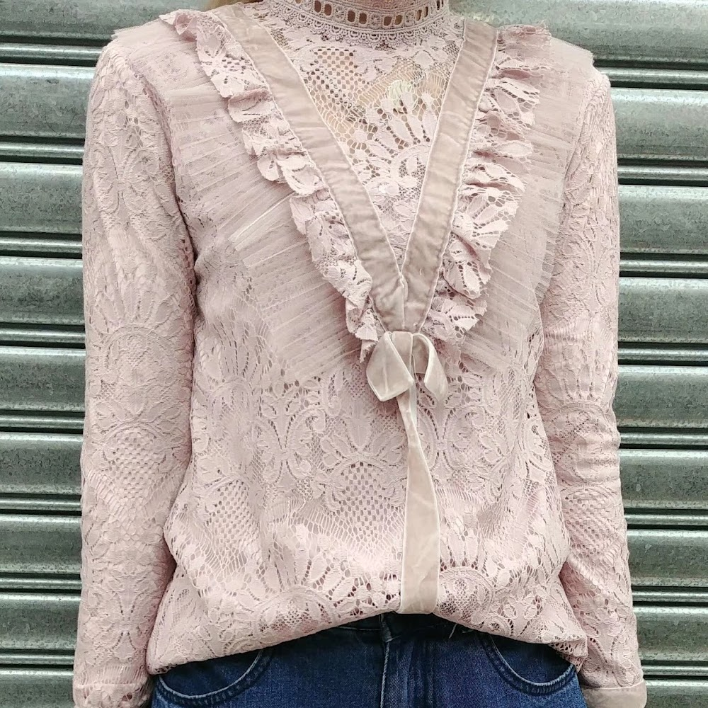 Lace蝴蝶Top