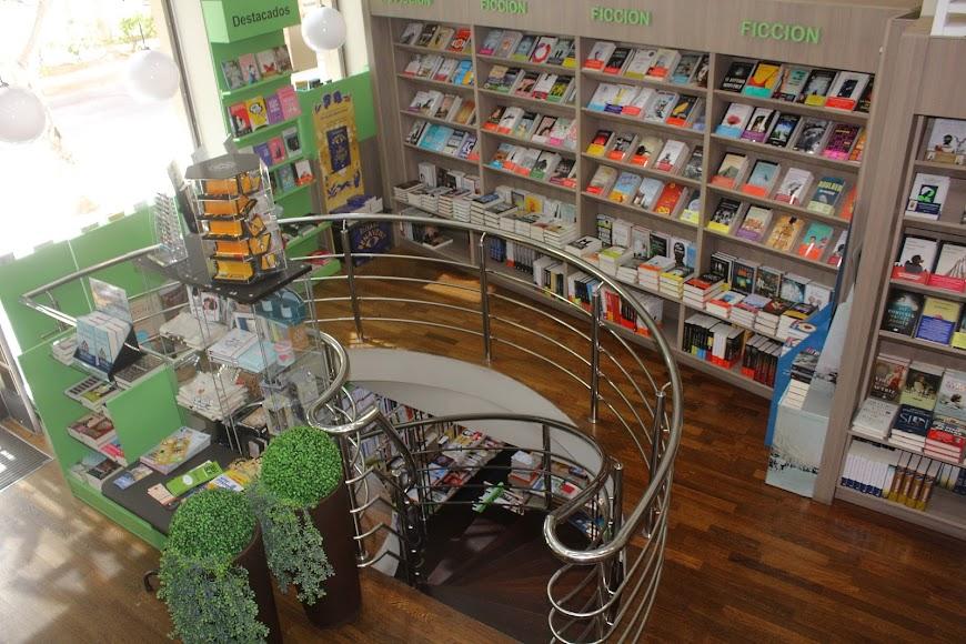 BibaBuk, librería en Avenida Federico García Lorca.
