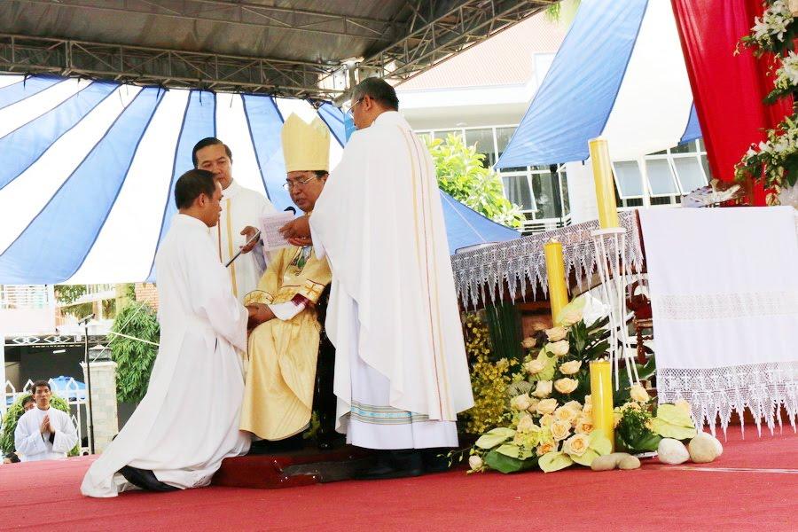 Lễ Tấn Phong chức Phó tế tại nhà thờ Chính Tòa Ban Mê Thuột - Ảnh minh hoạ 16