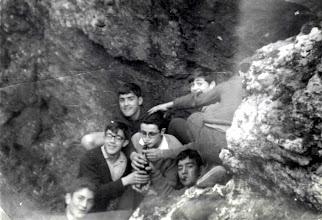 Photo: Un dia de excursión a ¿La Vecilla?. José Luis, Andrés Cortés, Serna, Gallego, Ros, Carracedo, Medarde