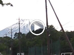 動画: 峠を越えると、立派な富士山が出迎えてくれます。