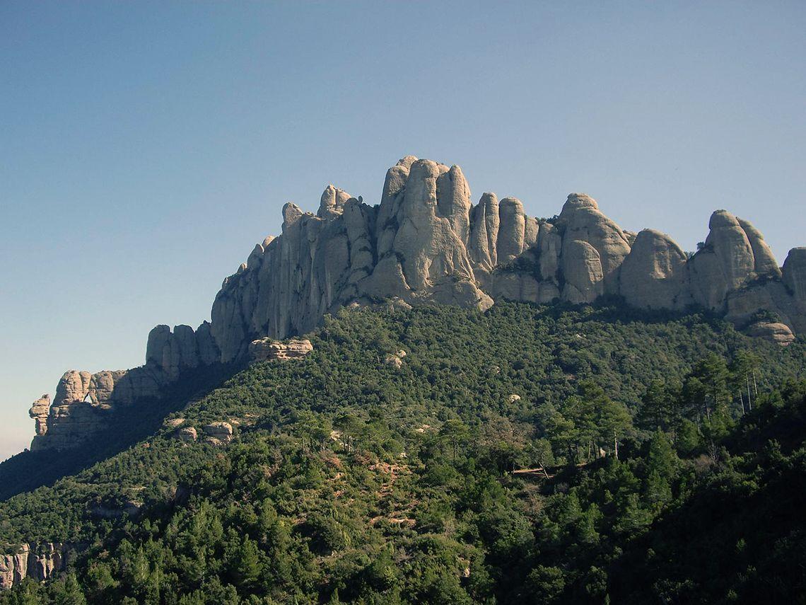 Гора Монсеррат (Montserrat)