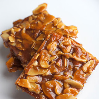 Almond Graham Cracker Brittle