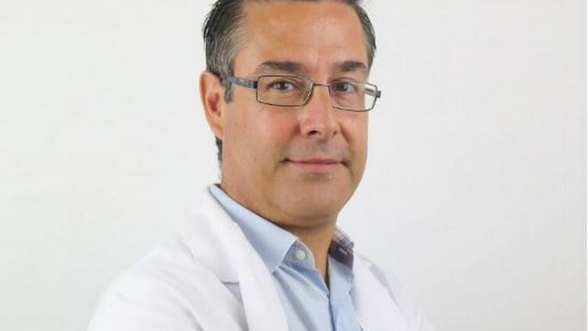 Javier Aguirre, el pediatra que ha atendido al niño en Torrecárdenas.