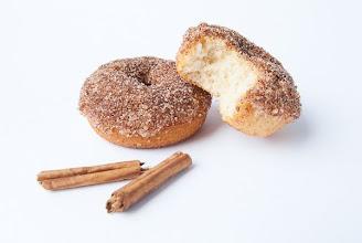 Photo: Baked French Breakfast Donuts/http://t-batabakery.blogspot.com.es/2013/06/os-invito-desayunar-mounas-y-baked.html/Tábata/Española/Sony DSLR-A330
