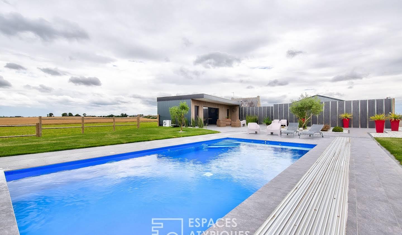 Maison avec piscine et terrasse Jugon-les-Lacs