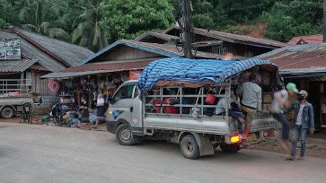 Auch so kann ein 'Taxi' in Laos aussehen.