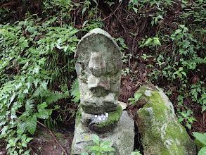 道端に石像