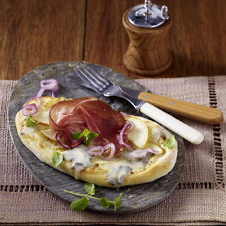 Gorgonzola, Pancetta and Pear Pizzas.