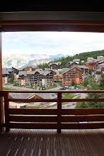 Photo: Vue de la station Risoul depuis le balcon d'un des appartements de la résidence Deneb, dans les Alpes du Sud