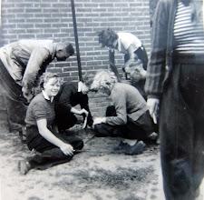 Photo: Landje pik: Lammie Meijering Eexterzandvoort, Hendrik Lanjouw Anderen, Roelie Sijbring Anderen, Lammie Enting, Hendrik Hoving, rechts knielend ???