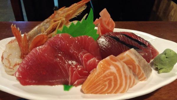 芝麻開門,新鮮豐富的日式料理店,厚切生魚片的美好滋味