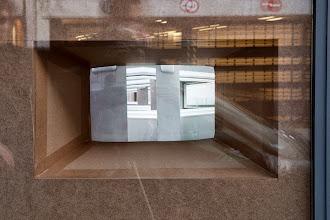 Photo: Claudia Larcher. Plinque - Pli selon Pli. Gallery 22,48m2, Paris, 2013
