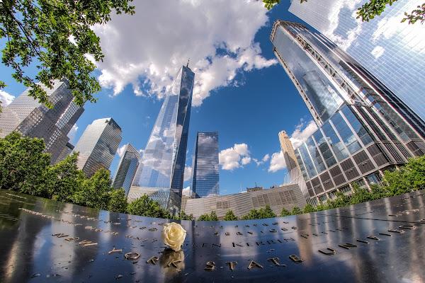 Riflessi e riflessioni - 9/11 Memorial di tonino_de_rubeis