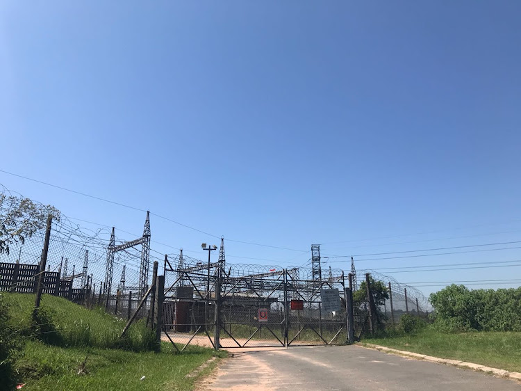 An explosion at the 275kv substation at Klaarwater outside Durban caused a power outage to half of Durban. Firefighters controlled the small fire.
