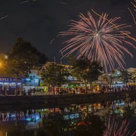 Chiang Mai by Reinhard Latzke - Public Holidays New Year's Eve ( new years eve, thailand, chiang mai, fireworks, colorful )