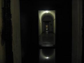 Photo: Wzdłuż głównego tunelu biegną boczne korytarze.