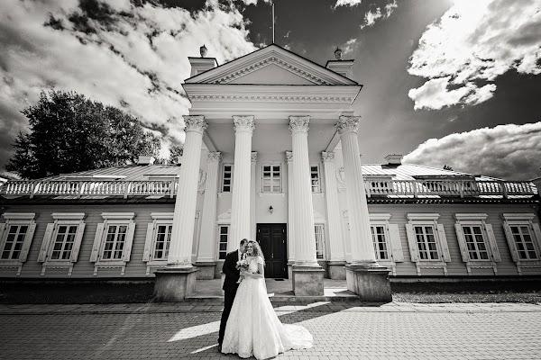 Wedding photographer Sandra Patapiene (Fotoidile). Photo of 20.11.2017
