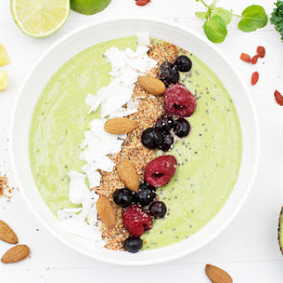 Green Avocado Smoothie Bowl with Sage™ The Boss™ To Go [vegan] [gluten free]