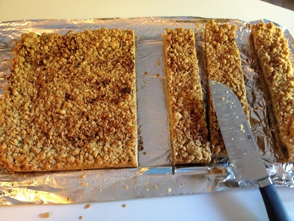 Lift from the pan by grabbing foil.  Peal foil away from sides and...